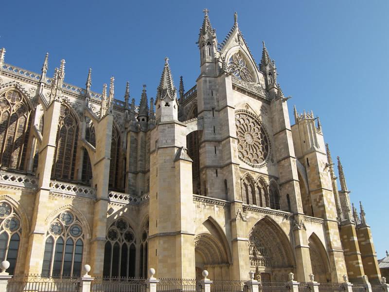 catedral-de-santa-maria-de-leon-camino-frances