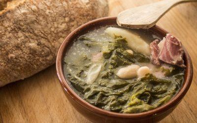 El Caldo Gallego, uno de los platos típicos del Camino de Santiago