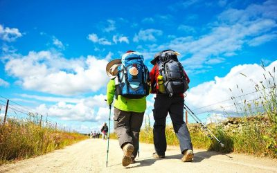 What clothes should I wear on the Camino de Santiago?
